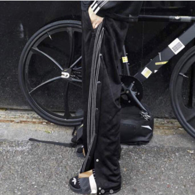 Alexander Wang(アレキサンダーワン)の超希少XSサイズ alexander wang adidas トラックパンツ メンズのトップス(ジャージ)の商品写真