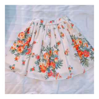 マーキュリーデュオ(MERCURYDUO)のマーキュリーデュオ☆花柄 スカート(ミニスカート)