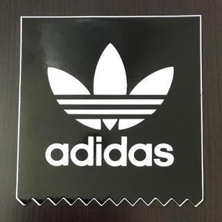 アディダス(adidas)の【縦7.3cm横7cm】adidas    ステッカー(ステッカー)
