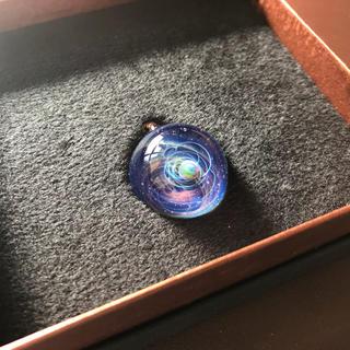 【赤系】 宇宙ガラス +α ブラックオパール(ネックレス)