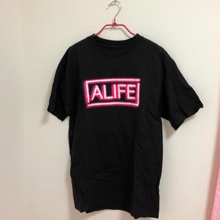 エーライフ(ALIFE)のALIFE ネオンロゴTシャツ(Tシャツ(半袖/袖なし))