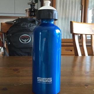 シグ(SIGG)のボトル 500ml(登山用品)