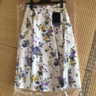 ジャスグリッティー(JUSGLITTY)の☆ジャスグリッティー  新品 花柄フラワースカート (ひざ丈スカート)
