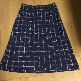ヨンドシー(4℃)の4°C  スカート(ひざ丈スカート)