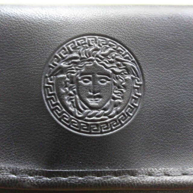 Gianni Versace(ジャンニヴェルサーチ)のジャンニ・ベルサーチソフトメガネケース最終値下げ メンズのファッション小物(サングラス/メガネ)の商品写真
