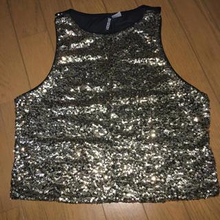 エイチアンドエム(H&M)のH&M ゴールドスパンコールトップス(Tシャツ(半袖/袖なし))