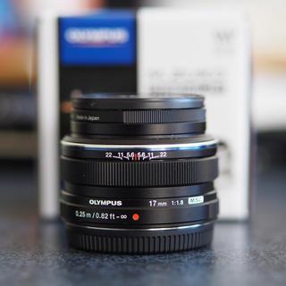 オリンパス(OLYMPUS)の最安オリンパス M.ZUIKO DIGTAL 17mm f1.8 黒 美品(レンズ(単焦点))