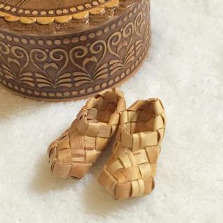 ウニコ(unico)の小さな白樺の靴(置物)