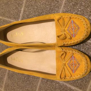 サルース(salus)のモカシン靴(スリッポン/モカシン)