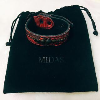 ミダス(MIDAS)の新品 MIDAS 型押しベルトブレスレット(MIDASロゴ入り巾着