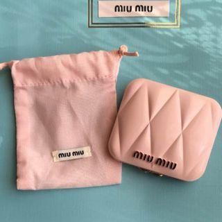 ミュウミュウ(miumiu)の♡miumiu♡ノベルティ*ピンクミラー♡巾着・箱付き!新品未使用品*(その他)