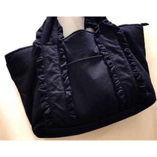 シマムラ(しまむら)のしまむら フリル トート バッグ ブラック 新品未使用 ポーチ付き ショルダー付(トートバッグ)