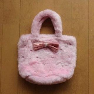 マザウェイズ(motherways)の送料込 新品 ファーバッグ リボン パール 子供 クリスマス(トートバッグ)