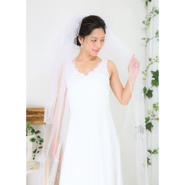 【新品/アウトレット】*ロングベール*装飾*ホワイト*3段*コーム付 レディースのフォーマル/ドレス(ウェディングドレス)の商品写真