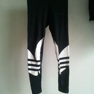 アディダス(adidas)のブラック(レギンス/スパッツ)