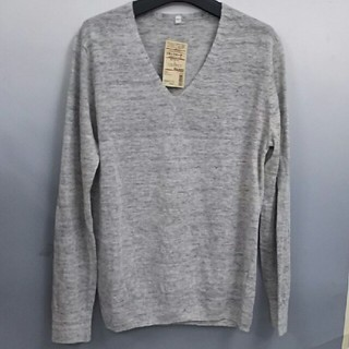 ムジルシリョウヒン(MUJI (無印良品))の新品 無印良品 フレンチリネンUVカットVネックセーター・ライトグレー・L(ニット/セーター)