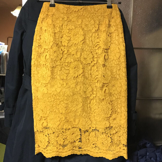 ジーユー(GU)のGU レースタイトスカート Sサイズ(ひざ丈スカート)