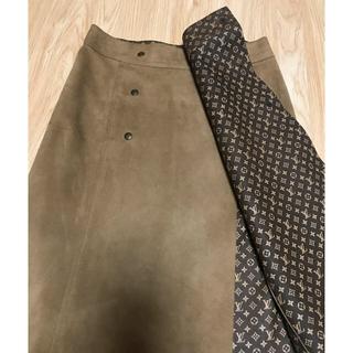 ルイヴィトン(LOUIS VUITTON)のホープ様専用 ルイヴィトン モノグラム 一枚仕立て スウェードスカート 36(ひざ丈スカート)