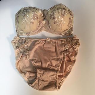 女性下着  ブラ&ショーツ  Lサイズ  ベージュ 新品未使用(ブラ&ショーツセット)