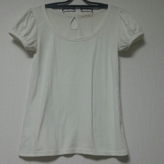 パフスリーブTシャツ。(白)(Tシャツ(半袖/袖なし))