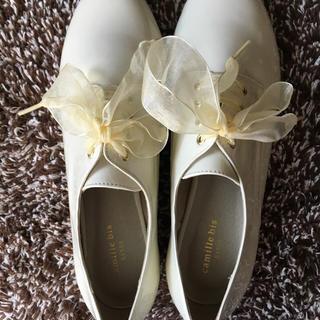 ランダ(RANDA)のRANDA 白リボンシューズ(ローファー/革靴)