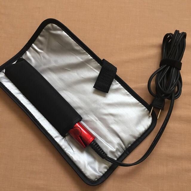 旅行に!持ち運びに!イズミ コンパクト ヘアアイロン  スマホ/家電/カメラの美容/健康(ヘアアイロン)の商品写真