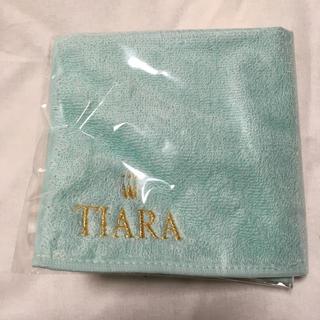 ティアラ(tiara)のタオルハンカチ TIARA(ハンカチ)
