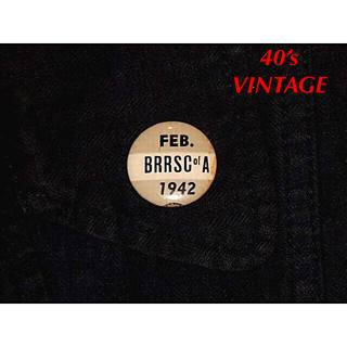 ▪️【40's】VINTAGE BADGE/FEBRUARY