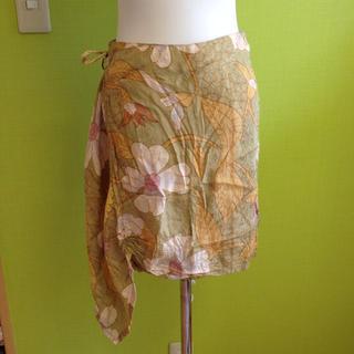 エーアイシー(A・I・C)のAIC花柄巻きスカート(ミニスカート)