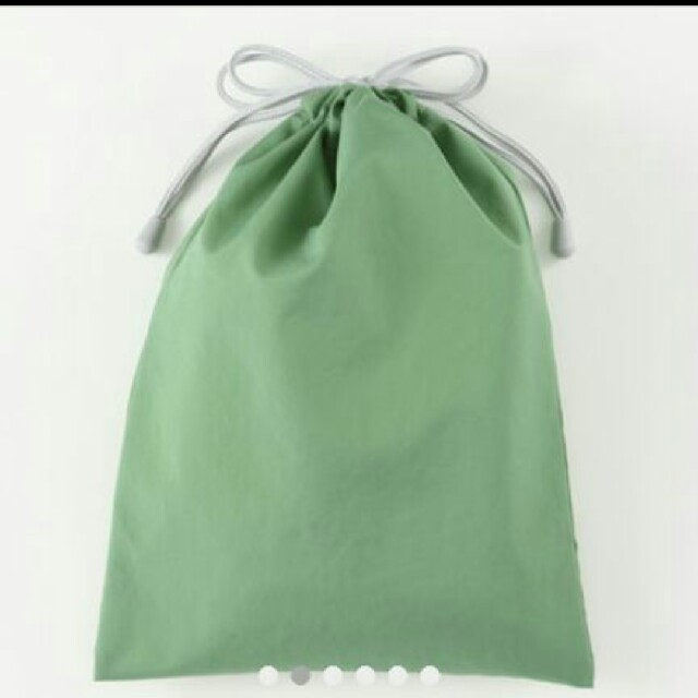 MUJI (無印良品)(ムジルシリョウヒン)の無印 撥水ポリエステル 巾着 中サイズ キッズ/ベビー/マタニティのこども用ファッション小物(その他)の商品写真