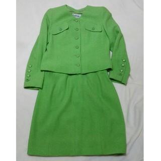 シャネル(CHANEL)のシャネル 正規品 スーツ ジャケット スカート 2点 セット CCボタン(セット/コーデ)
