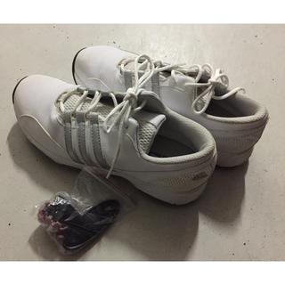 アディダス(adidas)のゴルフ靴(シューズ)