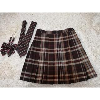 イーストボーイ(EASTBOY)の制服スカート リボン、ネクタイセット 着画あり(ひざ丈スカート)