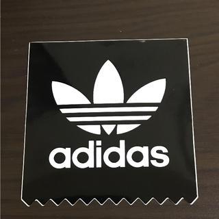 アディダス(adidas)の【縦7.2cm横7cm】adidas ステッカー(ステッカー)