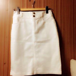 ハニーズ(HONEYS)の白タイト(ひざ丈スカート)