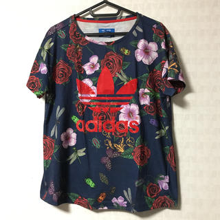 アディダス(adidas)のadidas originals バラ柄Tシャツ(Tシャツ/カットソー(半袖/袖なし))