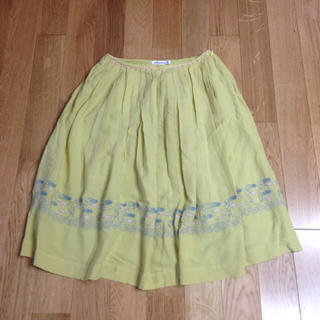 ミナペルホネン(mina perhonen)のミナペルホネン voyage スカート 36(ひざ丈スカート)