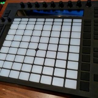 ableton push(MIDIコントローラー)