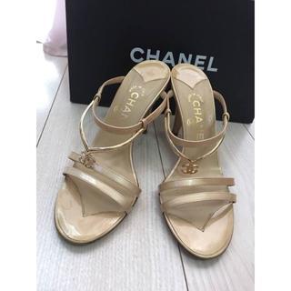 シャネル(CHANEL)のシャネル CHANEL ゴールド サンダル(ハイヒール/パンプス)