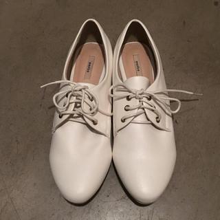 ランダ(RANDA)の最終値!RANDAマニッシュシューズ/ホワイトおじ靴/ウィングチップ(ローファー/革靴)