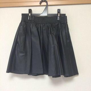 ローリーズファーム(LOWRYS FARM)のレザーフレアスカート/LOWRYS(ミニスカート)