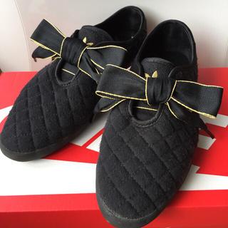 アディダス(adidas)のadidas アディダス リレースロー25キルト黒 リボンスニーカー(スニーカー)
