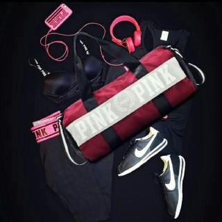 ヴィクトリアズシークレット(Victoria's Secret)の(新品、未使用)PINK ダッフルバッグ  ジムバッグ(ボストンバッグ)
