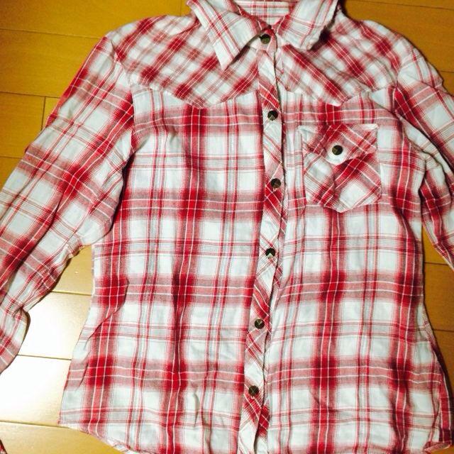 赤チェックシャツ♡ レディースのトップス(シャツ/ブラウス(長袖/七分))の商品写真