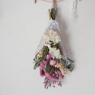 1輪バラのピンク&ホワイト系スワッグ(ドライフラワー)
