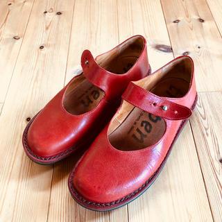 トリッペン(trippen)の美品 trippen (トリッペン)Girly f/レッド 38サイズ(ローファー/革靴)