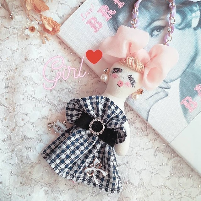 yuka-fleur,2525様専用ページ ギンガムチェックドール レディースのファッション小物(キーホルダー)の商品写真