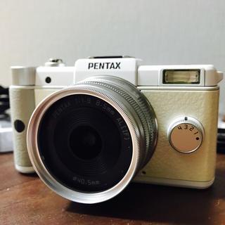 ペンタックス(PENTAX)のおかゆ様専用【極美品】PENTAX ミラーレス一眼 Q レンズキット ホワイト (ミラーレス一眼)