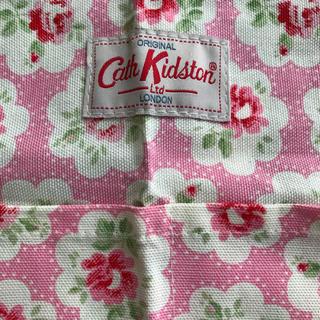 キャスキッドソン(Cath Kidston)のキャスキッドソンCathKidston花柄エプロン新品ピンクジャーナルships(その他)