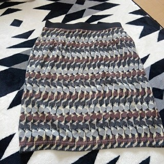 アネラリュクス(ANELALUX)の新品 スカート定価10500円(ひざ丈スカート)